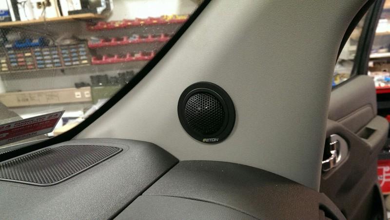 Autoradio Umrüstung im Nissan Navara von Finsterwalder Elektronik