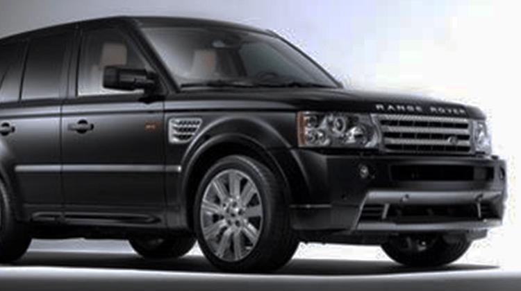 Landrover Ranger Rover Car-HiFi Einbaubeispiel von Finsterwalder Elektronik