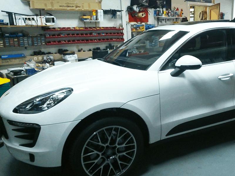 Porsche Macan Car-HiFi Einbaubeispiel von Finsterwalder Elektronik