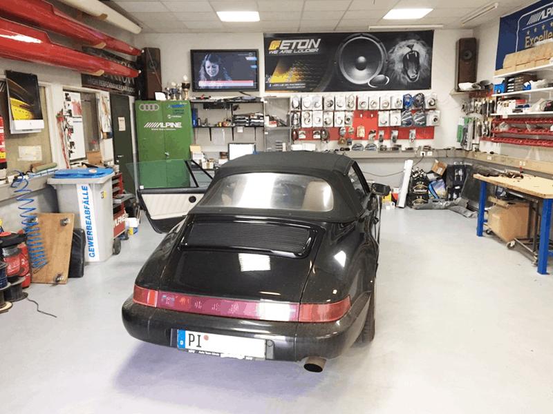 Porsche Cabrio 964 Car-HiFi Einbaubeispiel von Finsterwalder Elektronik