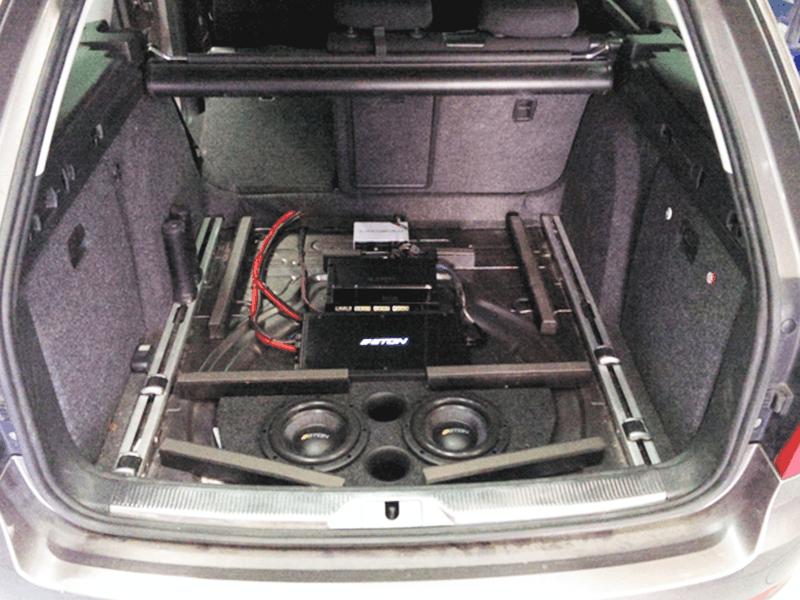 Auto HiFi Einbaubeispiel im Skoda Superb