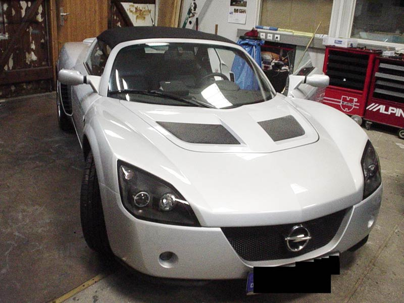Opel Speedster Car-HiFi Autoradio Einbaubeispiel