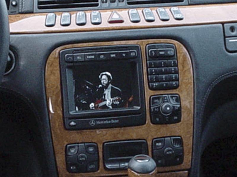 Car HiFi Einbaubeispiel im Brabus S Klasse
