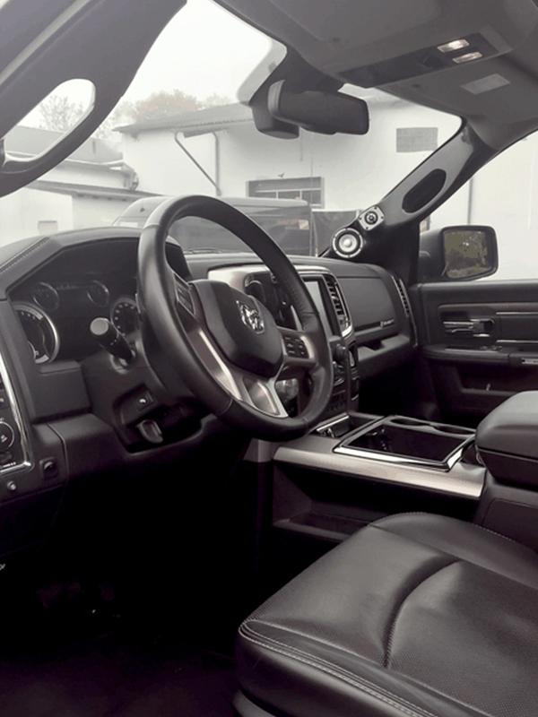 Car HiFi Einbaubeispiel im Dodge RAM