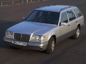Mercedes benz T Car-HiFi Einbaubeispiel von Finsterwalder Elektronik