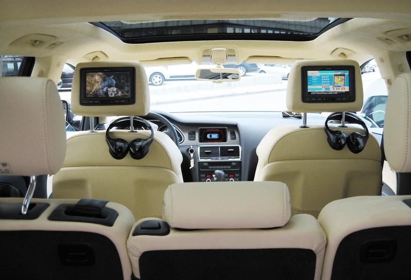 Einbaubeispiel Multimedia im Auto